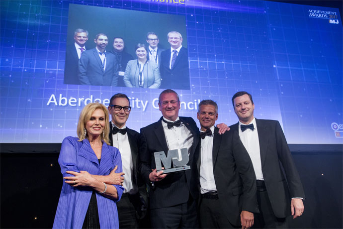 Innovation in finance Category Award winners - Aberdeen City Council - Joanna Lumley, Richard Sweetnam, Steve Whyte and Richard Ellis, Gareth Davies (Mazars LLP)
