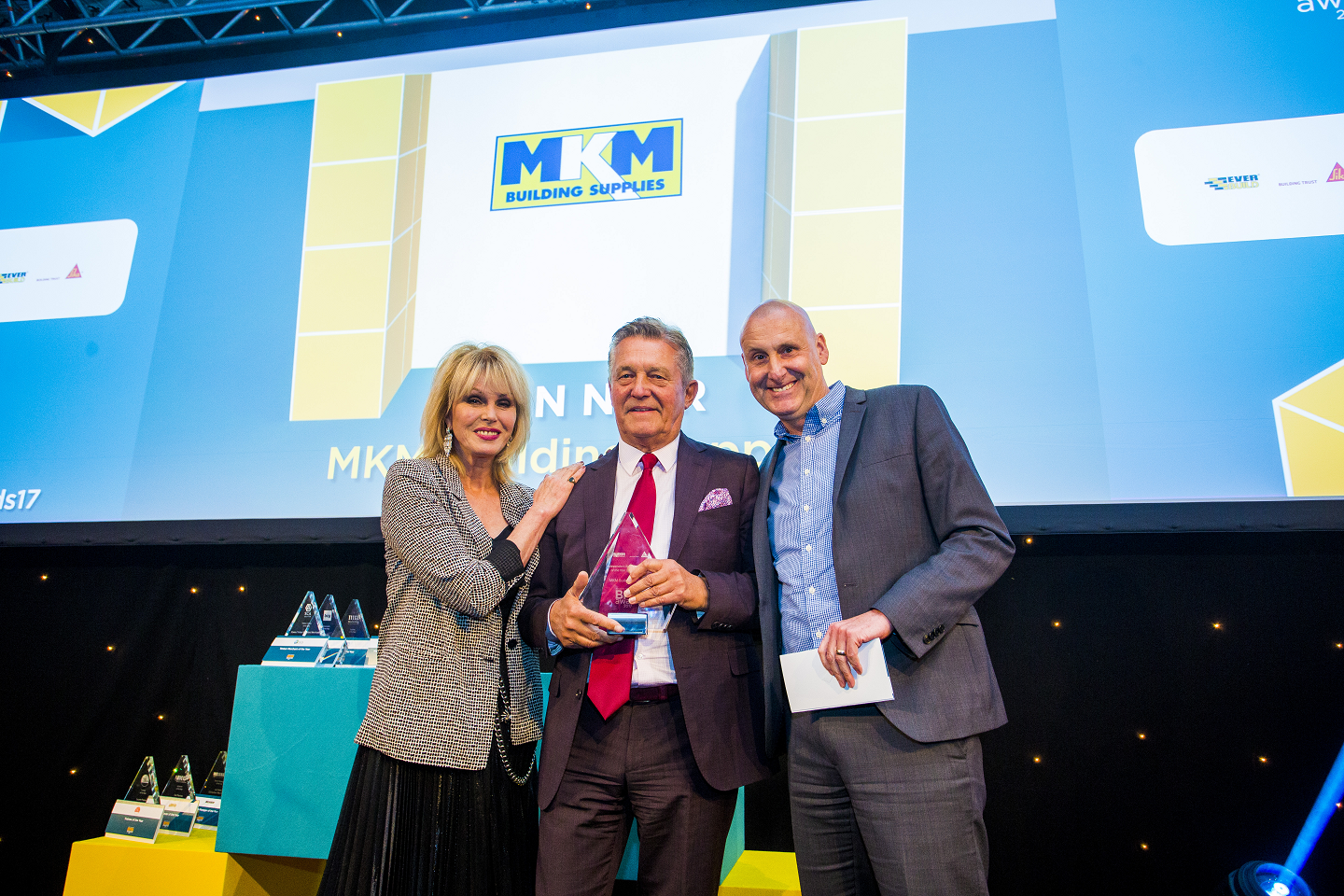 Winner of Independent Builders' Merchant of the Year (21+ branches); Joanna Lumley, David Kilburn, Executive Chairman - MKM Building Supplies ,  Greg Senior, Head of Merchant Sales & Independents - Sika Everbuild