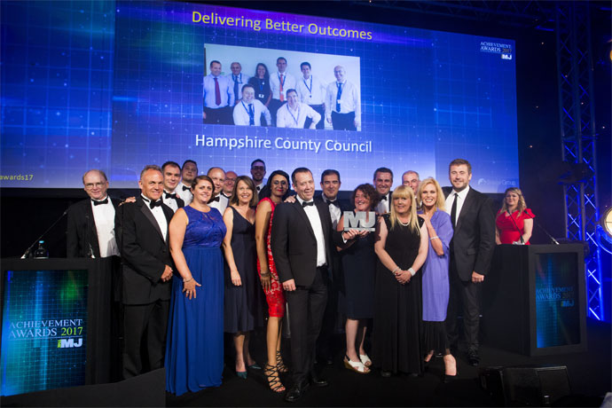 Delivering Better Outcomes Category Award Winners - Hampshire County Council's Argenti Telehealthcare Partnership - Peter Hindmarsh, Clive Gawler, Robert Turnbull, James Batchelor, Pippa Pearce, Paul Weatherall, Alex Steffel, Philippa Nichols, Sam Batchelor, Harminder Sangha, Mark Allen, Steve Careful, Sharon Collings, Graham Allen, Nicky Kinge, Paul Archer, Joanna Lumley, Steve Smith (Scape Group)